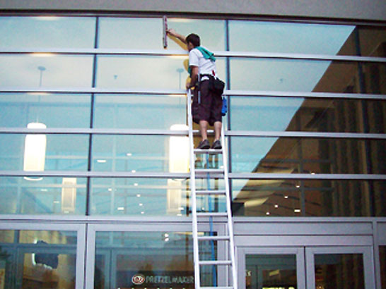 Commercial Window Cleaning in Los Angeles
